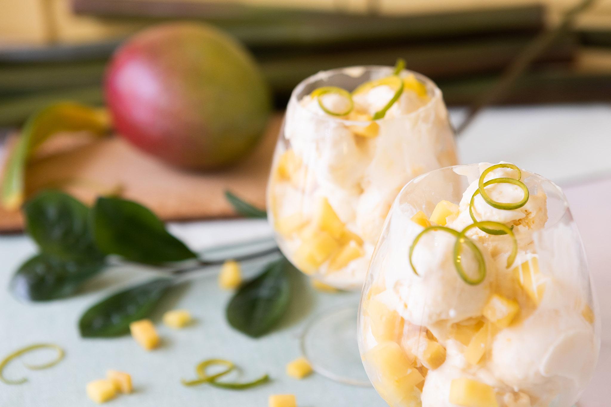 Pirteä mangojäätelö
